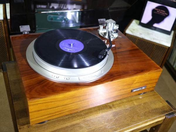 美品 Exclusive P10 レコードプレーヤー アーム2種 等付属品多数 Audio Station_画像2