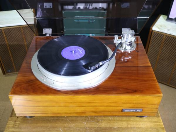 美品 Exclusive P10 レコードプレーヤー アーム2種 等付属品多数 Audio Station_画像3