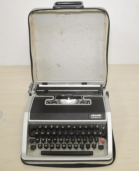 127●○タイプライター Olivetti Lettera DL ケース付 現状品○●_画像6