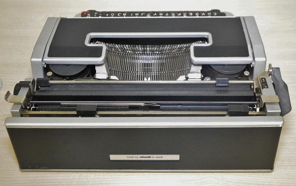 127●○タイプライター Olivetti Lettera DL ケース付 現状品○●_画像4