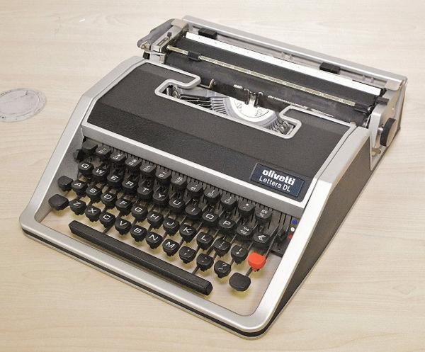 127●○タイプライター Olivetti Lettera DL ケース付 現状品○●
