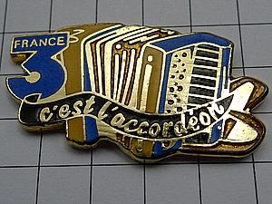 限定レア美品ピンズ◆ボタンアコーディオン楽器ピンバッジフラン