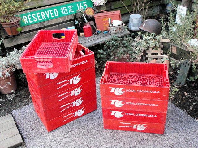 F960A☆所さんの世田谷ベース流ガレージ小物にUS USED DRINK CASE ROYAL CROWN COLA/ロイヤル クラウン コーラ/USAコーラ工具入れ_スタッキング例