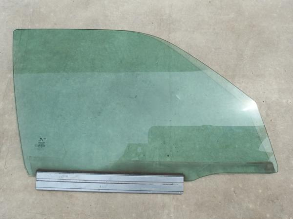 SAABサーブ9-3?窓ガラスウインドウフロント右側?43R-001105_画像1