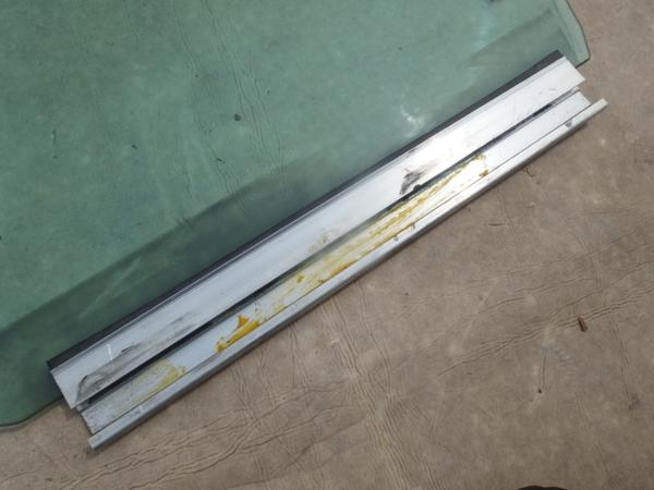 SAABサーブ9-3?窓ガラスウインドウフロント右側?43R-001105_画像5