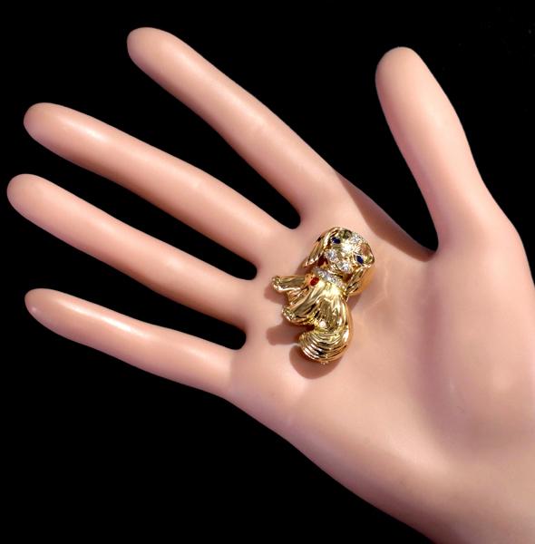 E5594 希少【VAN CLEEF&ARPELS】ヴァンクリーフアーペル わんこ ダイヤモンド サファイア ルビー 最高級18金無垢ブローチ_画像3