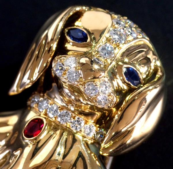 E5594 希少【VAN CLEEF&ARPELS】ヴァンクリーフアーペル わんこ ダイヤモンド サファイア ルビー 最高級18金無垢ブローチ_画像2