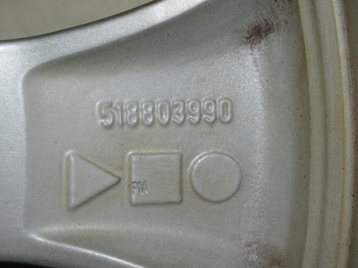 フィアット(FIAT)500アバルト 7J-17 off+33 pcd98/4H 205/40R17 タイヤ付き4本セット_画像8