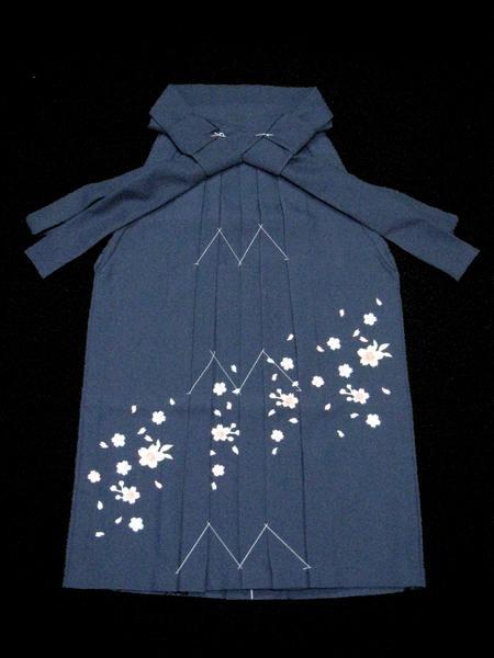 【和のこころキッズ】七五三・卒園式に◇七歳用刺繍袴・紺_画像1