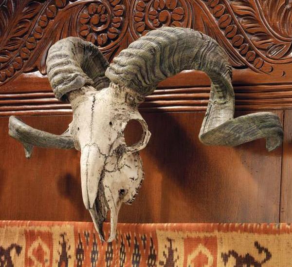 コルシカラム 頭骨オブジェ コルシカ島 雄羊の 頭蓋骨と角 壁掛け 彫像/ Corsican Ram Skull and Horns Wall Trophy[輸入品_画像1