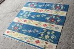 ボーダー 青 手織りキリム トルコ産 101cm ラグ ビンテージ ネイティブ マジックカーペット インテリア ペルシャ絨毯 ATKS6529
