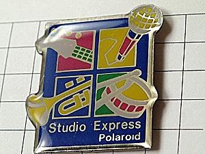 限定レア◆ピンバッジ◆ポラロイドのスタジオ写真フィルム音楽ピ