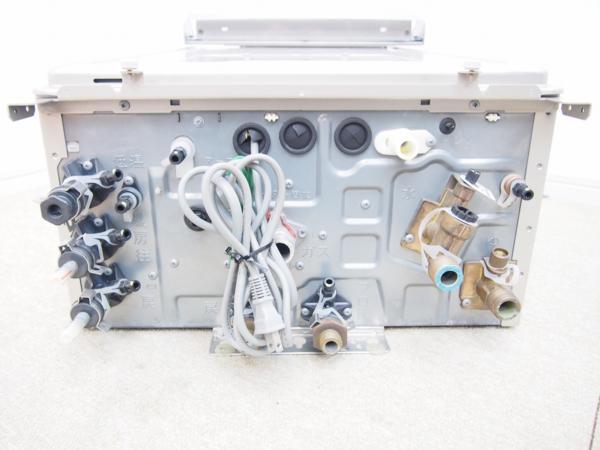 リンナイ 都市ガス屋外壁掛型24号ガス給湯器オート リモコン付 RVD-E2400AW_画像2