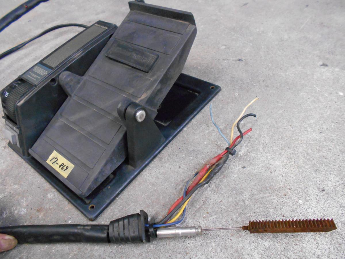「17-869 MotorGuide モーターガイド エレキ用 フットコントローラー 部品取り品 ジャンク USED (船 ボート エンジン)」の画像