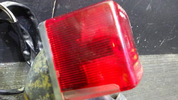 スズキ グラストラッカー NJ47A テールランプ 割れなし S127-41_画像3