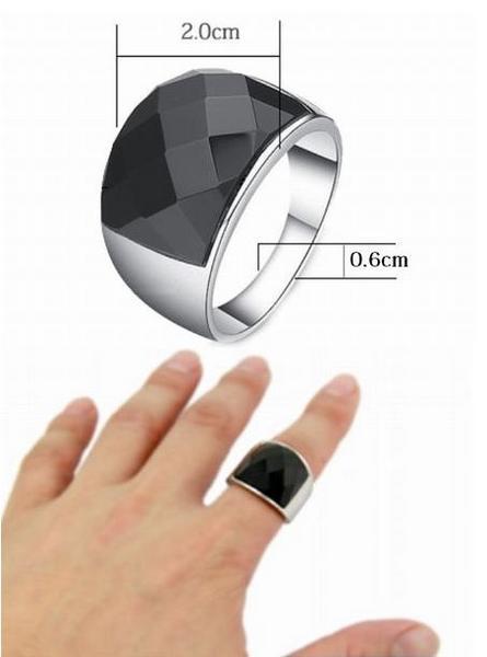 新品 ステンレス 耐久性 輝き長持ち ブラックストーン 指輪リング_画像3