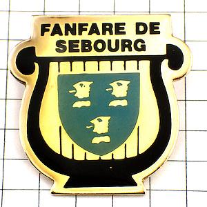 限定レア◆ピンバッジ◆紋章ファンファーレ竪琴マーチングバンド音楽ピンズフランス