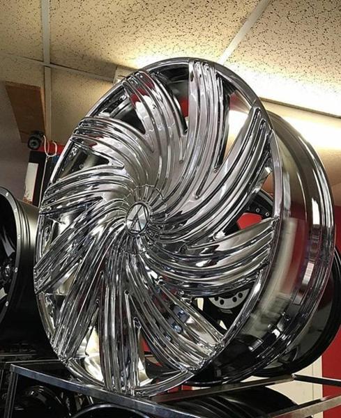 32インチ AZARA BY AMANI FORGED 502C クローム ホイール 32x10+15mm~ 305/25R32 タイヤセット エスカレード、ナビゲーター他 なんでも_画像1