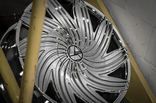 32インチ AZARA BY AMANI FORGED 502C クローム ホイール 32x10+15mm~ 305/25R32 タイヤセット エスカレード、ナビゲーター他 なんでも_画像5
