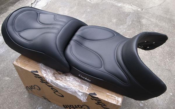 1点のみ SALE! Corbin コービン Front Saddle w/ Heat ヒーター付きフロントサドル 2006-2017 Yamaha FJR 1300_画像1
