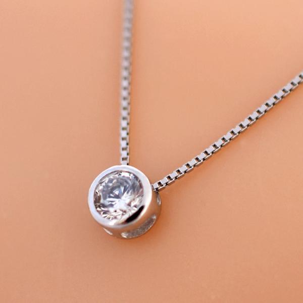 新品 贈り物 プレゼント 0.2ct相当 一粒石 キュービックジルコニア ネックレス_画像2
