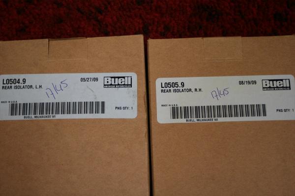 ビューエル S1 M2 X1 S3 新品 リアアイソレーター 左右 売切り_画像2