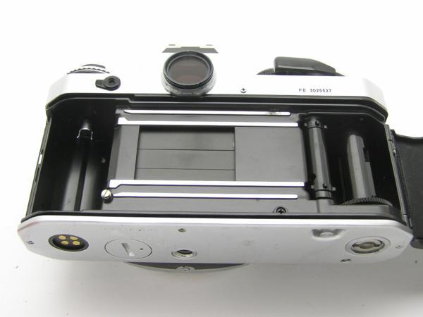 ★ハロ-カメラ★5837 Nikon FE シルバ- B.3025527 難有 動作品_画像4