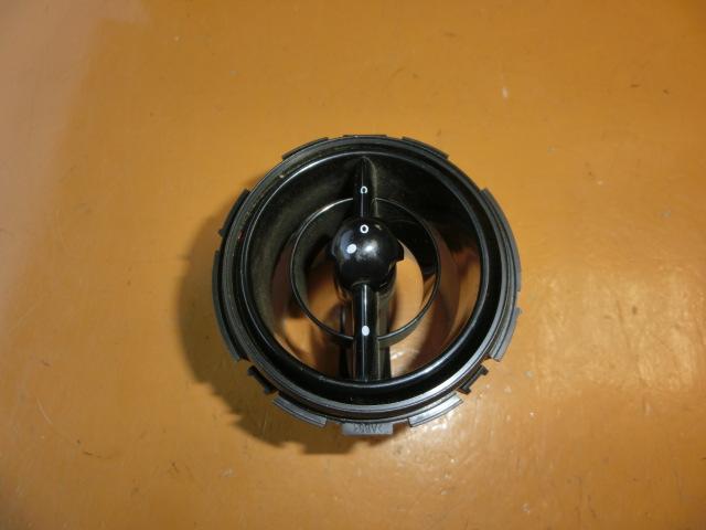 ミニクーパーS エアコン吹き出し口 右 GH-RE16 平成15年    R50/R53 RA16 BMW ミニ MINI       ♭nn_画像1