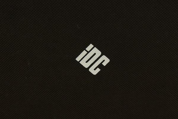 美品 IDC大塚家具 モダンデザイン レザーソファ 2.5人掛けソファ リビング アイボリー オフホワイト 本革 検)L/S Comfort_画像3